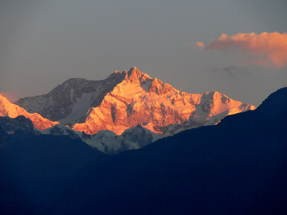 Sikkim-pelling-khangchendzonga_-_close_up