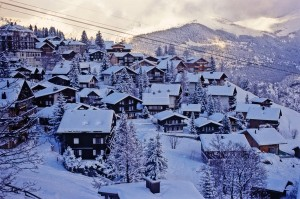 mountains landscapes snow trees houses europe switzerland_wallpaperswa.com_55